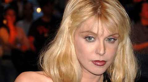 Courtney Love, Förvandling