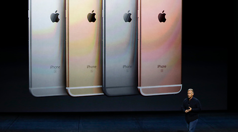 Tim Cook, iPhone 6
